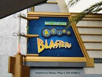 Buzz Lightyear Astro Blasters Sign, ©www.my-disneyland-vacation.com