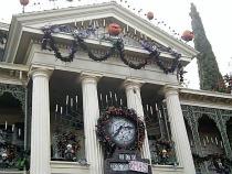 Disneyland Haunted Mansion Ride, ©www.my-disneyland-vacation.com