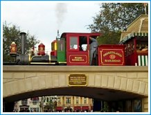 Disneyland Railroad at Main Street, ©www.my-disneyland-vacation.com
